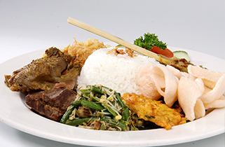 Empat Menu Makanan Terbaik dengan Tambahan Rasa Bali di Ubud